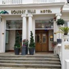 Holiday Villa Hotel & Suites