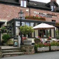 Three Horseshoes Inn & Restaurant