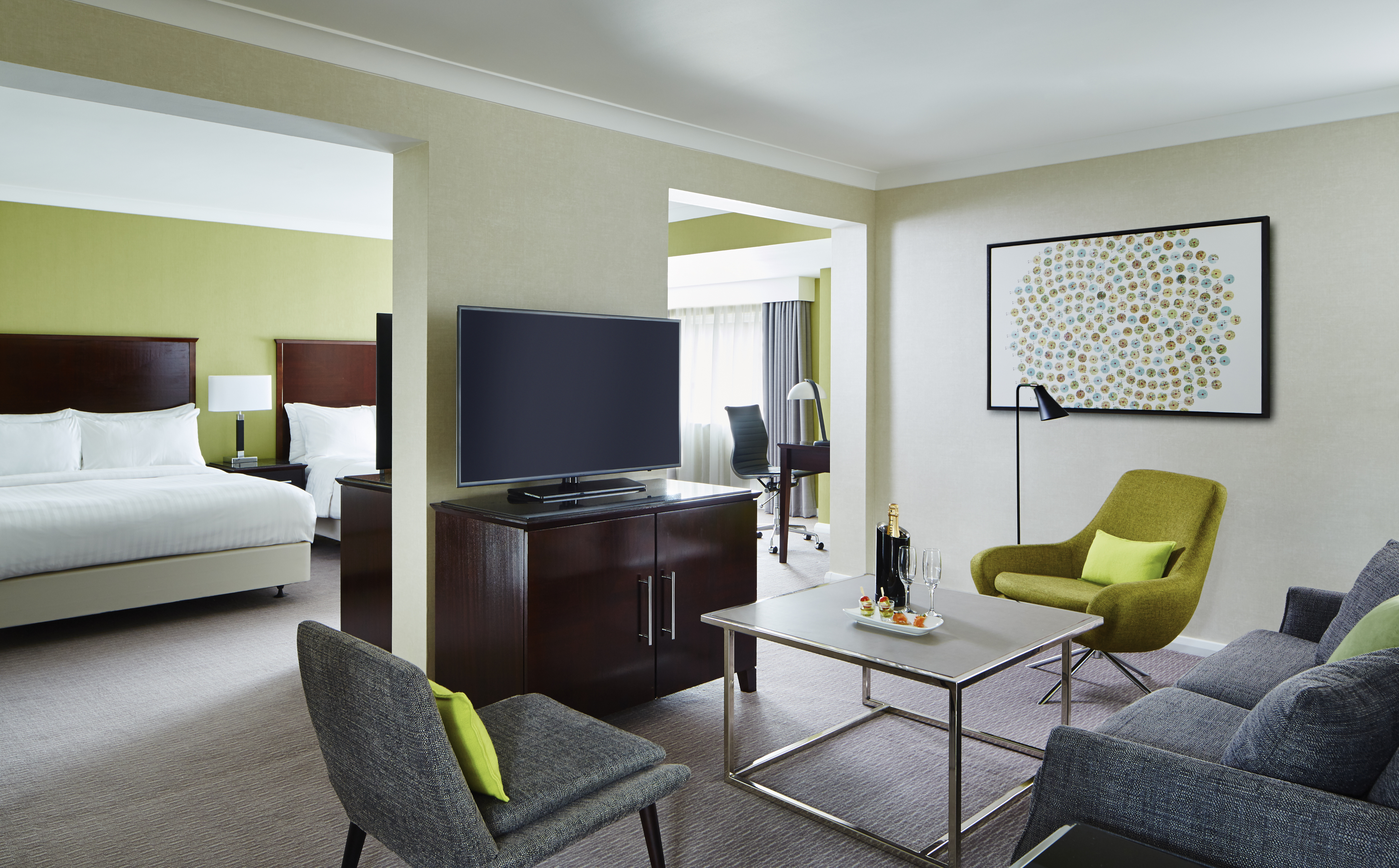 Manchester Airport Marriott Hotel Photo Gallery Suite