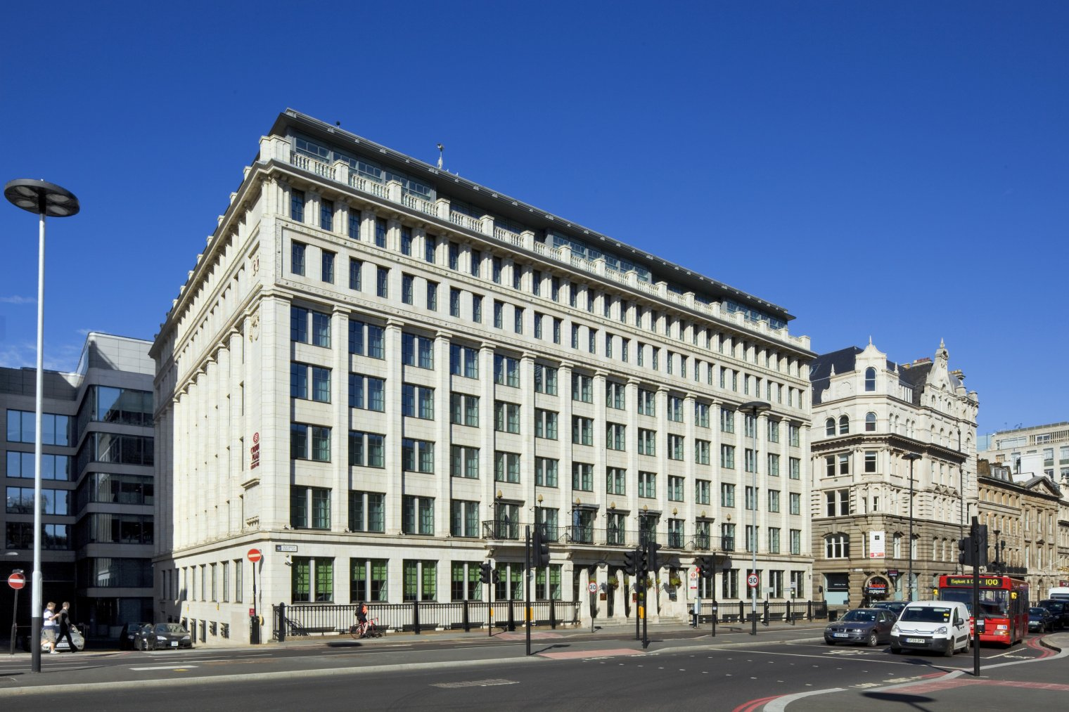 Conference venue details crowne plaza london the city for London hotels