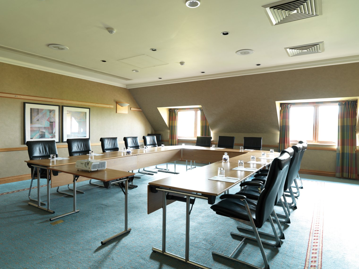 meeting northamptonshire room We offer large halls and smaller rooms suitable for meeting and training room hire in northampton great rates for a pleasant community venue - 01604 219129.