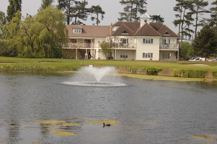 Woolston Manor Golf And Country Club
